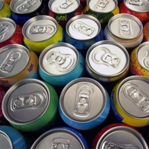 Fabricación de latas de refresco: procesando en metal de la lata