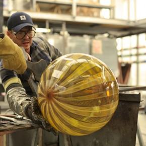 Glass Blow: el trabajo en vidrio del francés Jeremy Maxwell