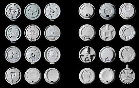 Tapas plásticas para café: una intersección entre cultura y tecnología