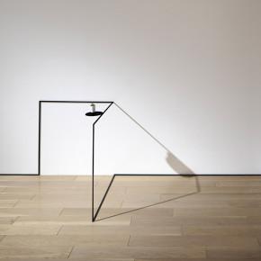 Corner Table: colección de mobiliario minimalista de Nendo