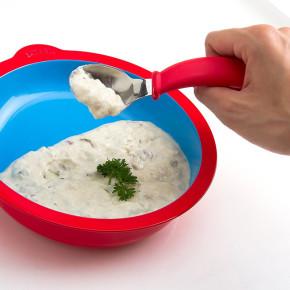 Eatwell: platos y cubiertos que ayudan a comer a personas con Alzheimer