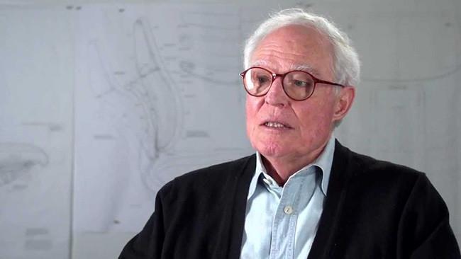 Niels Diffrient, 1928–2013. [imagen: Humanscale en un corto video publicado pocos meses antes de su muerte].