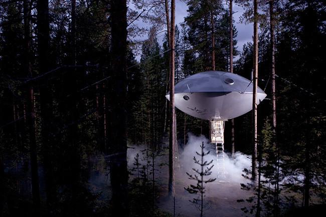 tree-hotel-ufo_02