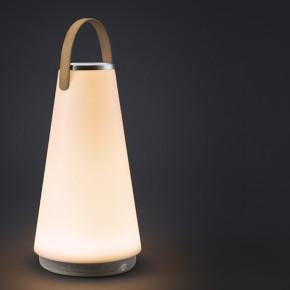 UMA: lámpara diseñada en el estudio del venezolano Pablo Pardo