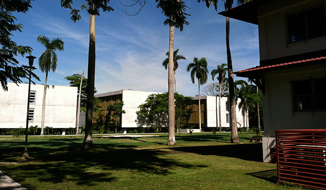 Algunas de las construcciones dentro de la Ciudad del Saber en Panamá.