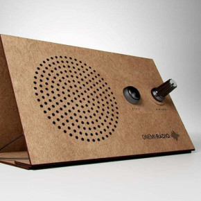 ONEMI: una radio solar de cartón para emergencias diseñada en Chile