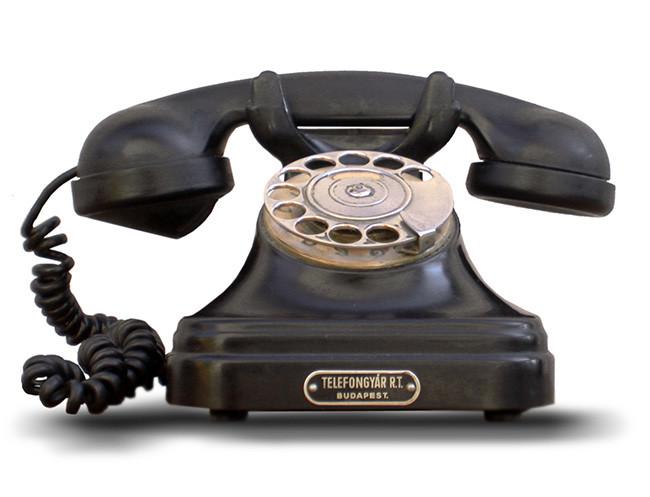 Teléfonos de las décadas de los 40' y 50' del siglo XX fueron hechos con Baquelita.